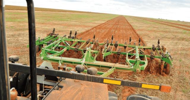 Subsolador - implementos agrícolas