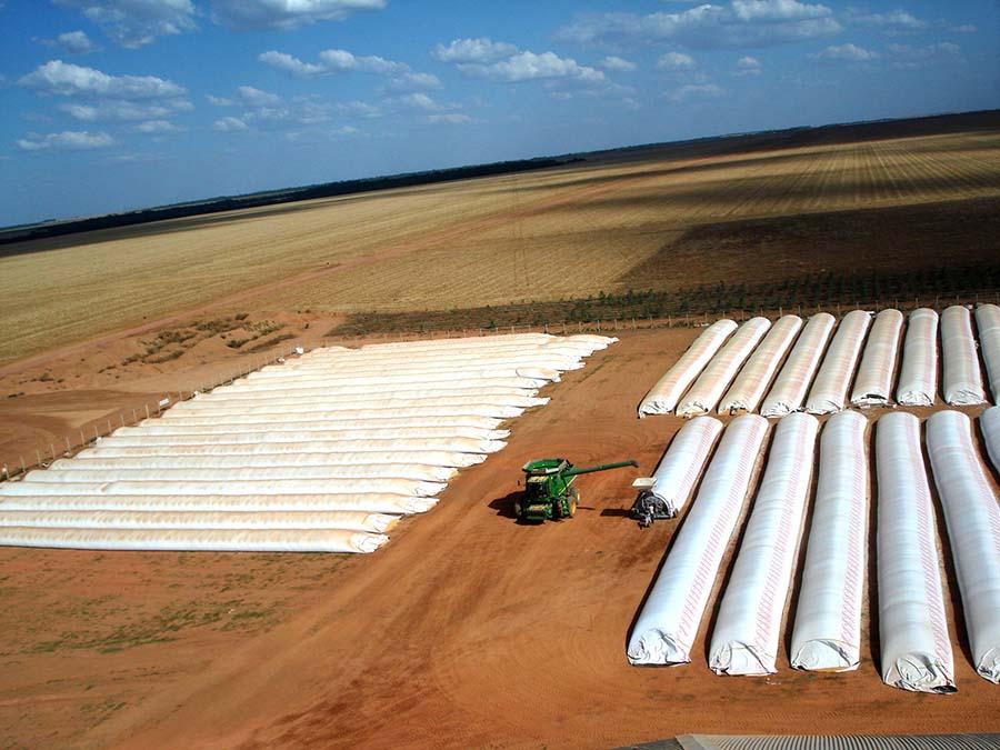 armazenagem de grãos - tipos de silo - silos-bolsa