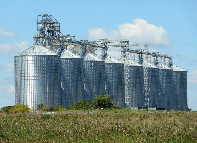 armazenagem de grãos - tipos de silo - silos metálicos